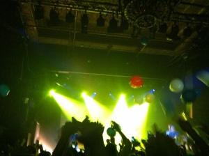 Balloon filled encore. (photo credit: Vinnie Pettinato)