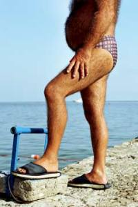 http://3.bp.blogspot.com/-K9icszLR338/ThLAAosUpUI/AAAAAAAAAz4/vdTo7LmmKmk/s1600/hairy-man-speedo-240tp081009.jpg